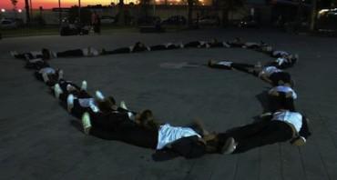 Un flash mob per chiederle la mano: succede nella villa comunale di Torre Annunziata