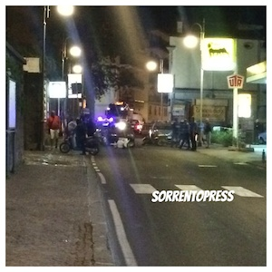 Incidente lungo il corso Italia, coinvolti tre scooter e una macchina