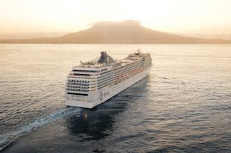 La Msc Magnifica arriva in porto dopo 39 giorni, nessun contagio tra le 2.700 persone a bordo