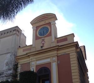Guasto l'orologio di piazza Tasso