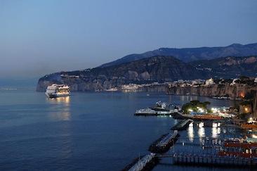Hotel, ad ottobre conviene: prezzi in diminuzione del 30% a Sorrento