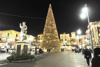 Sorrento tra shopping, luminarie e spettacoli: da domani il via al Natale 2014