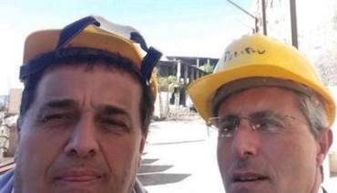 Selfie tra sindaci prima dell'abbattimento del mostro di Alimuri