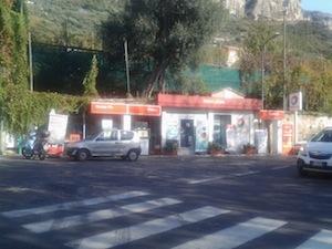 Meta, riapre il distributore di piazza del Lauro