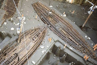 Piazza Municipio, trovata un'altra nave di epoca romana