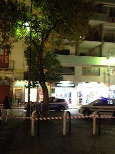 Piazza Lauro, zona transennata per il crollo di un ramo