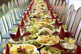 Natale, alimenti avariati conservati in strutture fatiscenti: controlli a tappeto in Campania