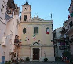 Domani l'insediamento di don Roberto Imparato a Marina Grande