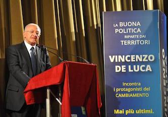 """Vincenzo De Luca a Sorrento: """"Riduciamo la burocrazia e creiamo lavoro"""""""