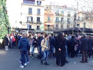 Già folla in piazza per Alessandra Amoroso