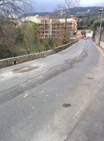 Via Capo, lavori in corso pericoli in agguato