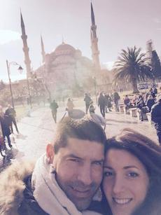 Il pampa compie 40 anni, ecco il selfie da Istanbul