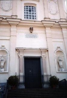 Chiusura chiesa Santa Teresa di Piano di Sorrento. I carmelitani: Nulla di deciso