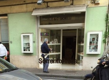 Furto in una gioielleria di Sant'Agnello