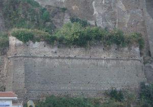 Cede il Fortino Sant'Antonino, rischio crolli al porto