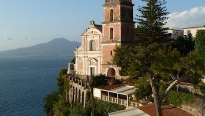 Vico Equense, restauro con dedica per la visita di Papa Francesco