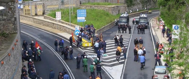 Sorrentina bloccata: in sciopero le tute blu della Fincantieri di Castellammare