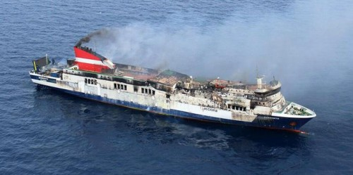epa04725584 A handout picture provided by Spanish Civil Guard on 29 April 2015, which shows the ferry from Acciona Trasmediterranea company called 'Sorrento', 20 miles off Mallorca shore in Spain. The ferry travelled between Palma de Mallorca and Valencia when a fire broke out on 28 April.  EPA/SPANISH CIVIL GUARD / HANDOUT EDITORIAL USE ONLY HANDOUT EDITORIAL USE ONLY/NO SALES