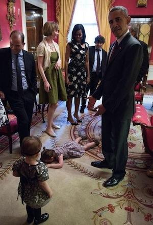 Fare i capricci ai piedi del Presidente degli Stati Uniti