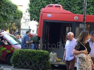 Bus Eav guasto in piazza Tasso, caos per 4 ore
