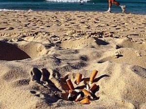 """Proposta del Codacons: """"Stop al fumo in spiaggia"""""""