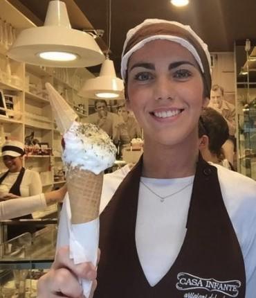 A Napoli nasce il gelato al sapore di pizza