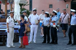 Controlli a Marina Grande sulle occupazioni demaniali: 5 denunciati