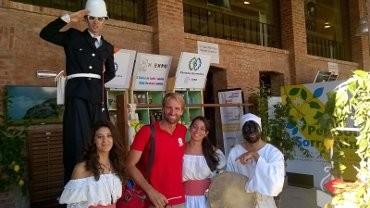 Massimiliano Rosolino allo stand della penisola ad Expo