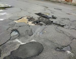 Le strade killer costano al Comune 900mila euro