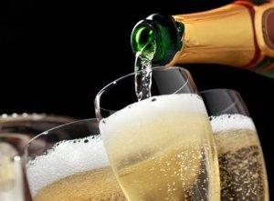 Champagne contraffatto, i Nas denunciano un commerciante