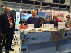 Il sindaco Cuomo allo stand di Sorrento al World Travel Market