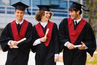 Il Comune di Sorrento premia i laureati a pieni voti