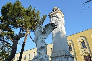 monumento-piazza-vittoria