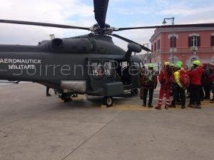 Esercitazione di soccorso aereo a Punta Campanella