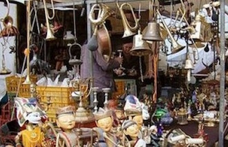 In piazza Lauro torna la Fiera dell'antiquariato