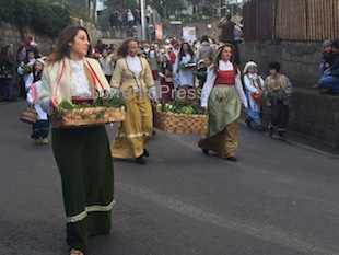 La sfilata de Le Pacchianelle – foto e video –