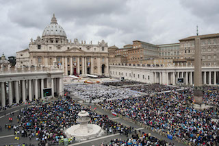 Foto Mario Cartelli/LaPresse27/04/2014 Vaticano-ItaliaeventoCerimonia di beatificazione dei Papi Giovanni XXIII e Giovanni Paolo II, Città del Vaticano - Italia.Nella foto: vista di Piazza San Pietro. Photo LaPresse/Mario Cartelli27/04/2014 Vatican City, ItalynewsCeremony at the Vatican where Pope Francis are elevating in a solemn ceremony John XXIII and John Paul II to sainthood