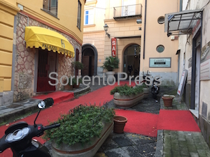 Vandali in azione a Sorrento – video –
