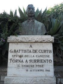 """Il Pd di Sorrento: """"Restauriamo noi il busto di De Curtis"""""""