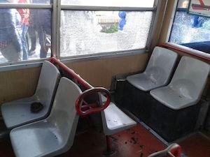 Sasso contro il treno diretto a Sorrento, un ferito