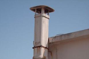 Scarichi abusivi ed amianto nella zona collinare di Sorrento
