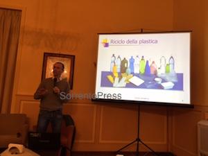 """La proposta di Luigi Cuomo sui rifiuti: """"Più produci, più paghi"""""""