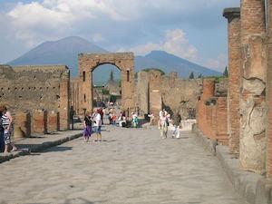 Atex al nuovo direttore degli scavi di Pompei: Occorre sinergia con Sorrento e Capri