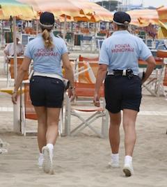 A Sorrento vigili sulle spiagge per la sicurezza dei bagnanti