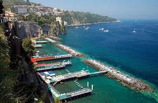 Vacanze più brevi e vicino casa per gli italiani