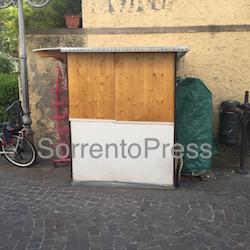 Denuncia de Il Mattino per la baracca simbolo del degrado di Sorrento