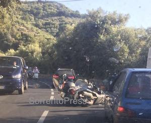 Incidente al rientro dal mare, traffico in tilt lungo via Capo