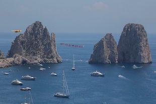 Indipendence Day, auguri volanti per gli ospiti Usa di Capri