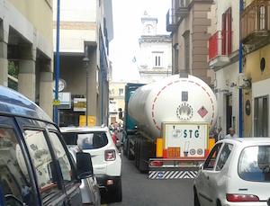 Caos traffico a Vico Equense, disdette dei turisti