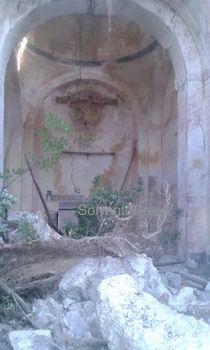 Ex chiesa del XIII secolo a rischio crollo, transennata la strada